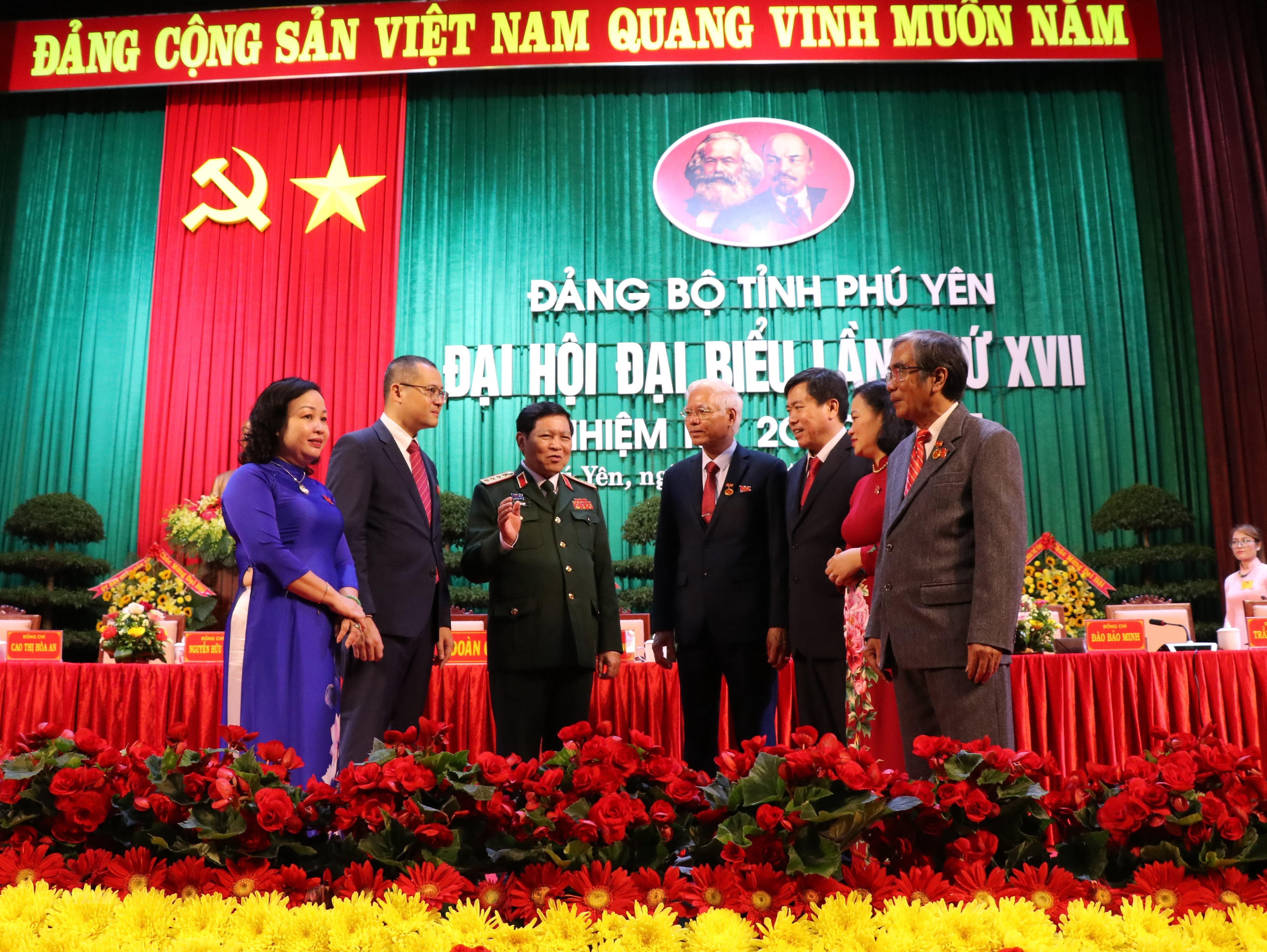 Hinh anh Dai hoi dai bieu Dang bo tinh Phu Yen lan thu XVII hinh anh 2