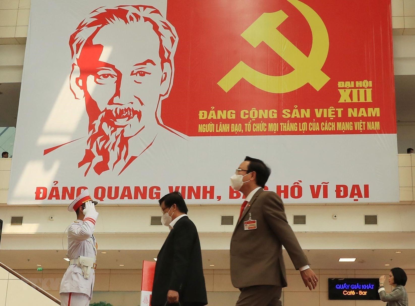 Nhieu chinh dang, to chuc gui thu, dien chuc mung Dai hoi XIII hinh anh 1