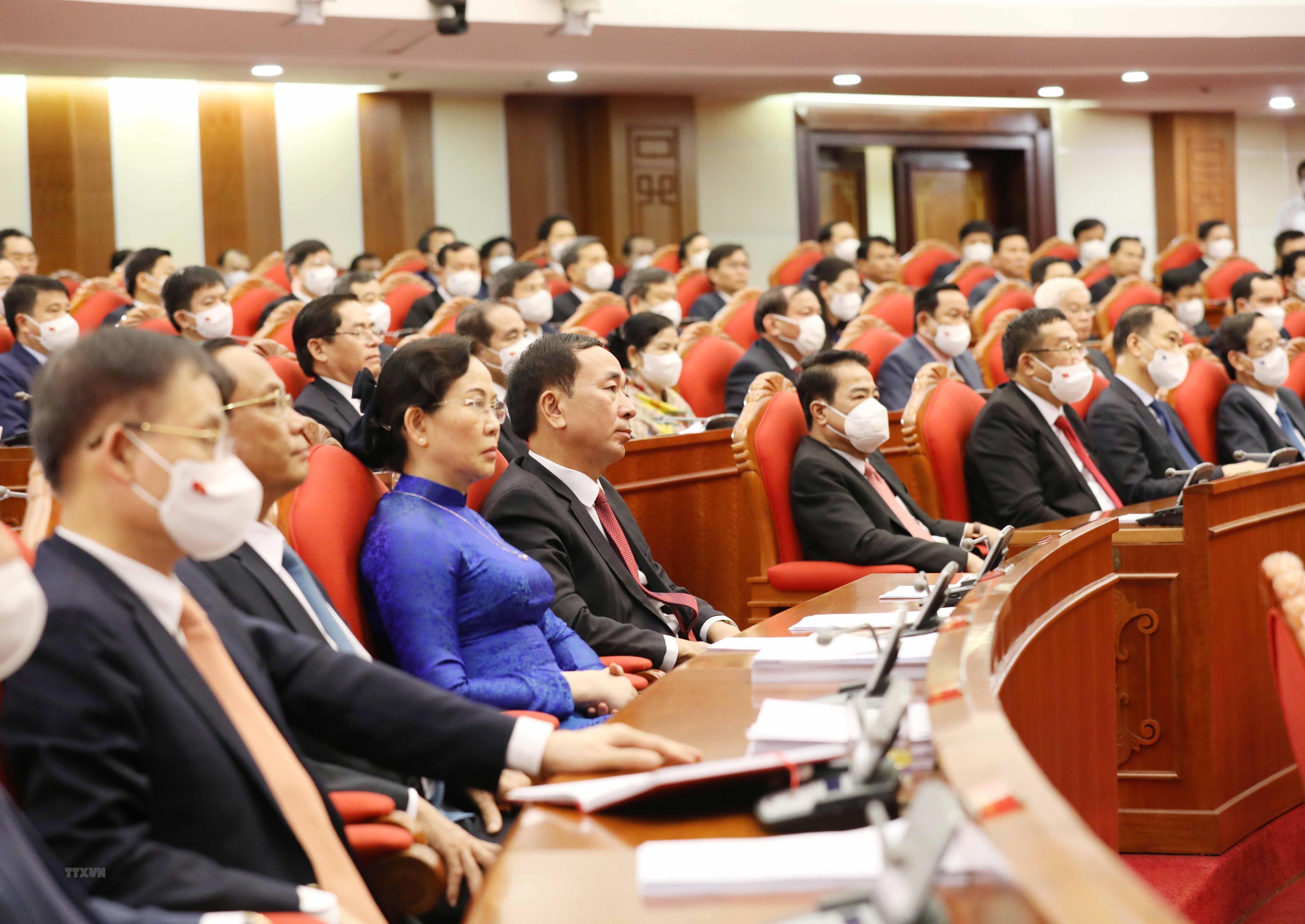 Thong bao Hoi nghi lan thu ba Ban Chap hanh Trung uong Dang khoa XIII hinh anh 2