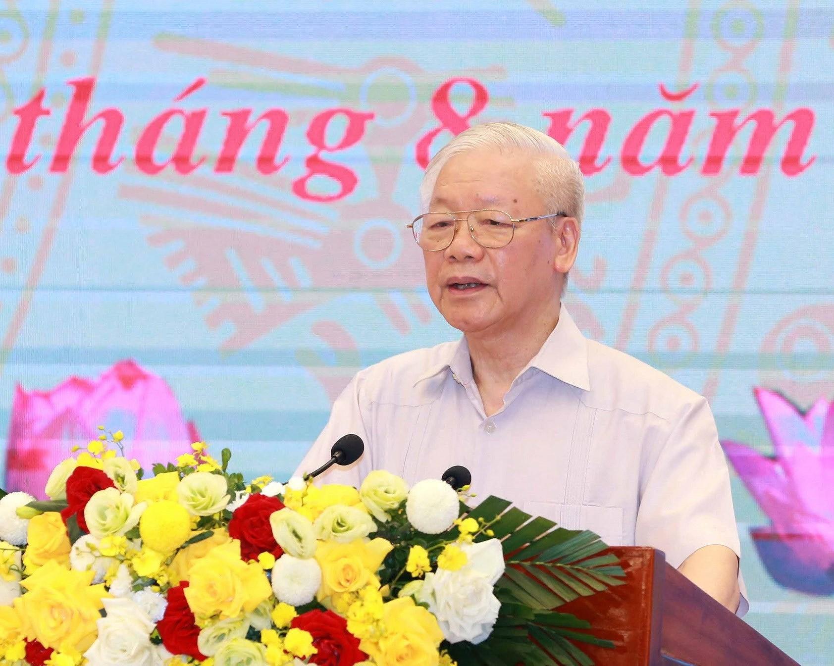 Tong Bi thu: Phan dau thuc hien thang loi toan dien Nghi quyet DH XIII hinh anh 1