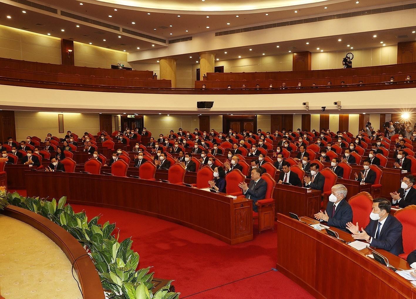 [Photo] Hoi nghi lan thu tu Ban Chap hanh Trung uong Dang khoa XIII hinh anh 3