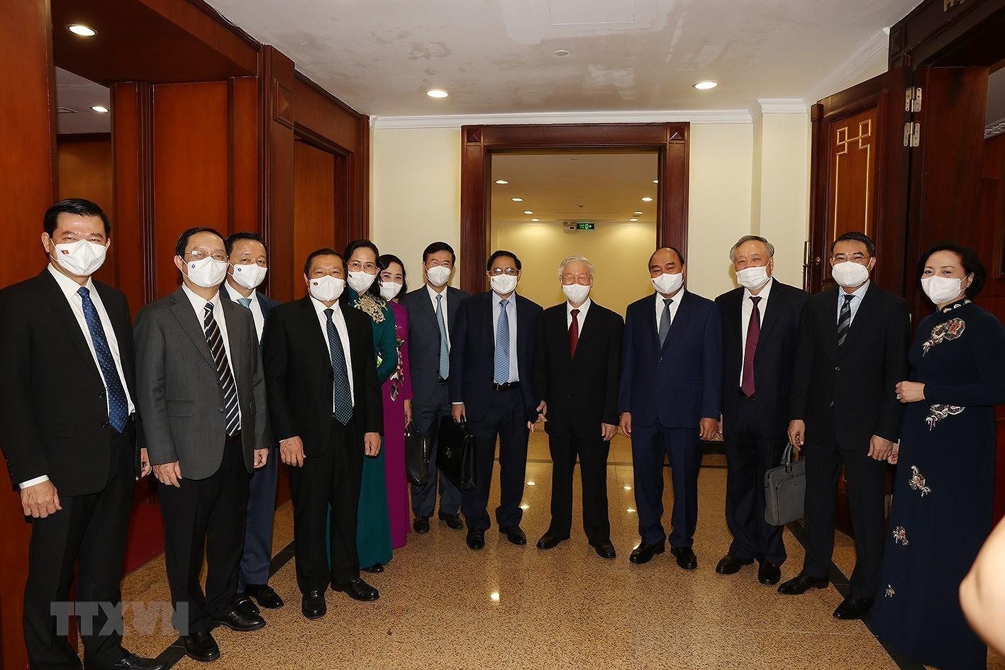 [Photo] Hoi nghi lan thu tu Ban Chap hanh Trung uong Dang khoa XIII hinh anh 7