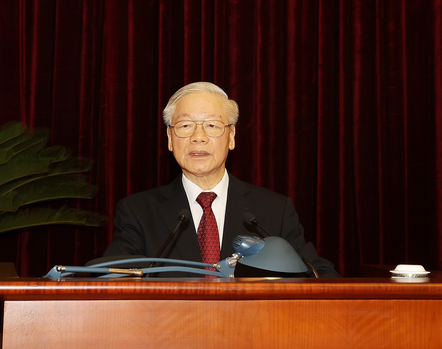 [Photo] Hoi nghi lan thu tu Ban Chap hanh Trung uong Dang khoa XIII hinh anh 9