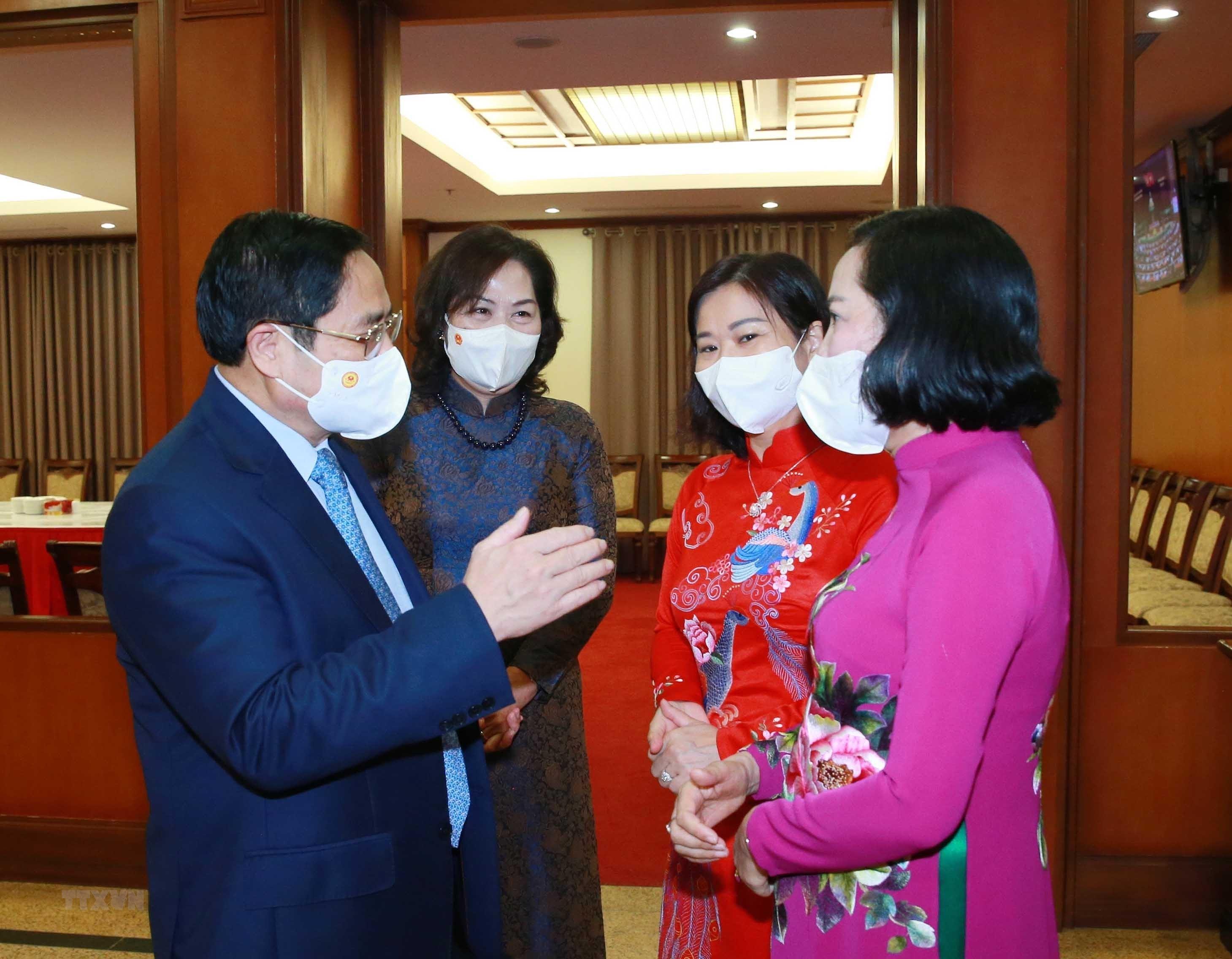 [Photo] Hoi nghi lan thu tu Ban Chap hanh Trung uong Dang khoa XIII hinh anh 15