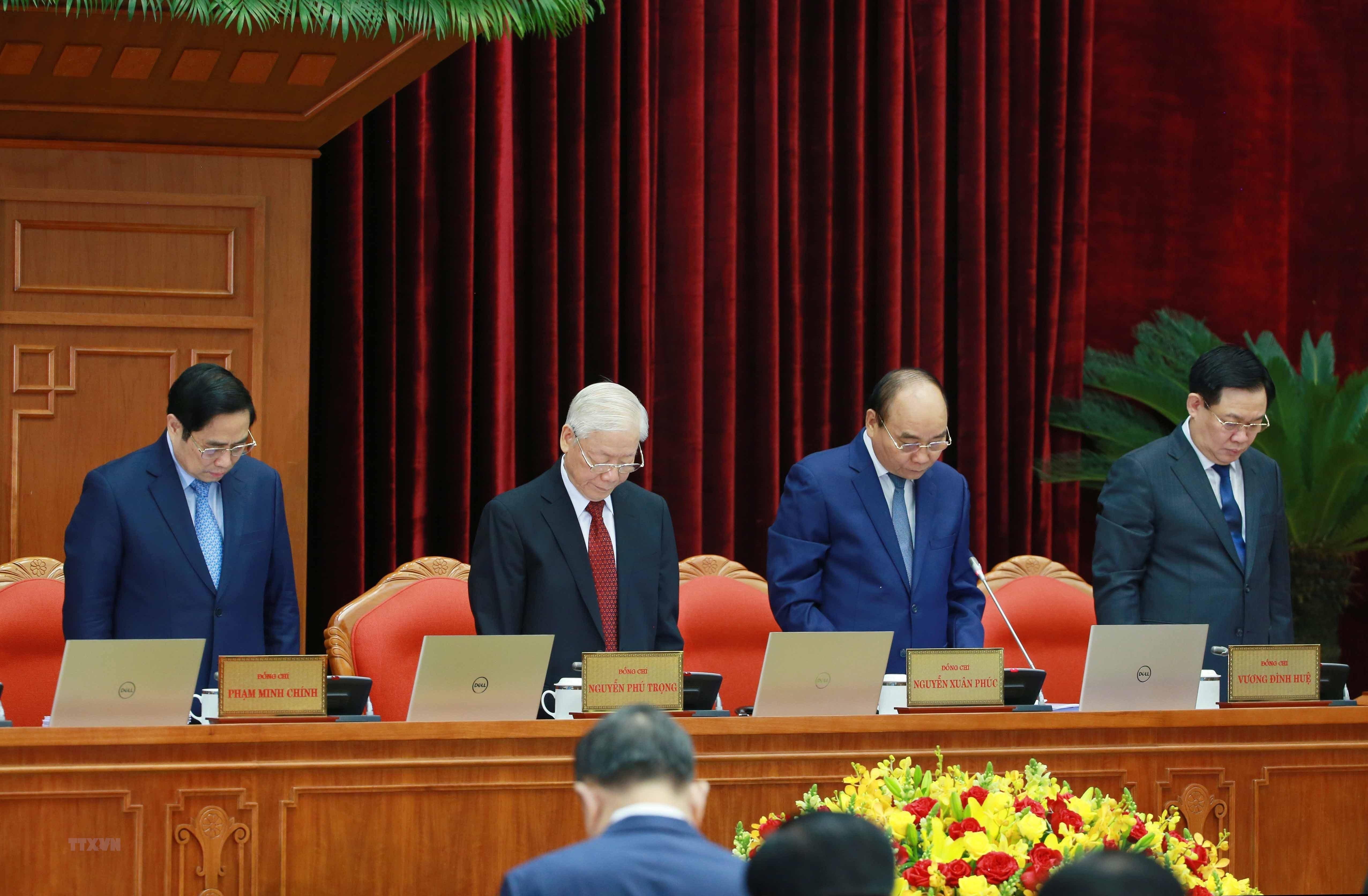 [Photo] Hoi nghi lan thu tu Ban Chap hanh Trung uong Dang khoa XIII hinh anh 11
