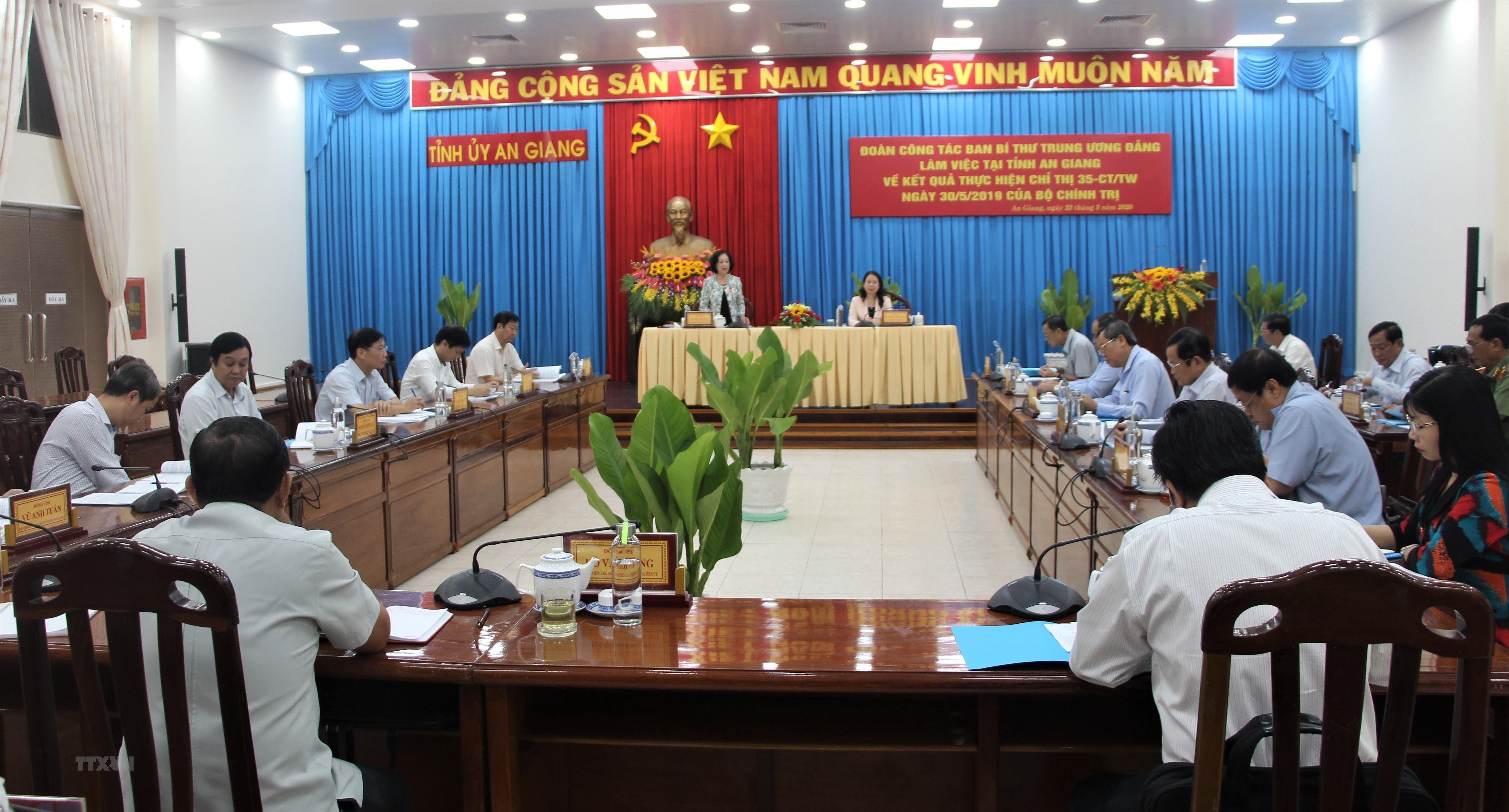 Doan cong tac Ban Bi thu Trung uong Dang lam viec tai An Giang hinh anh 1