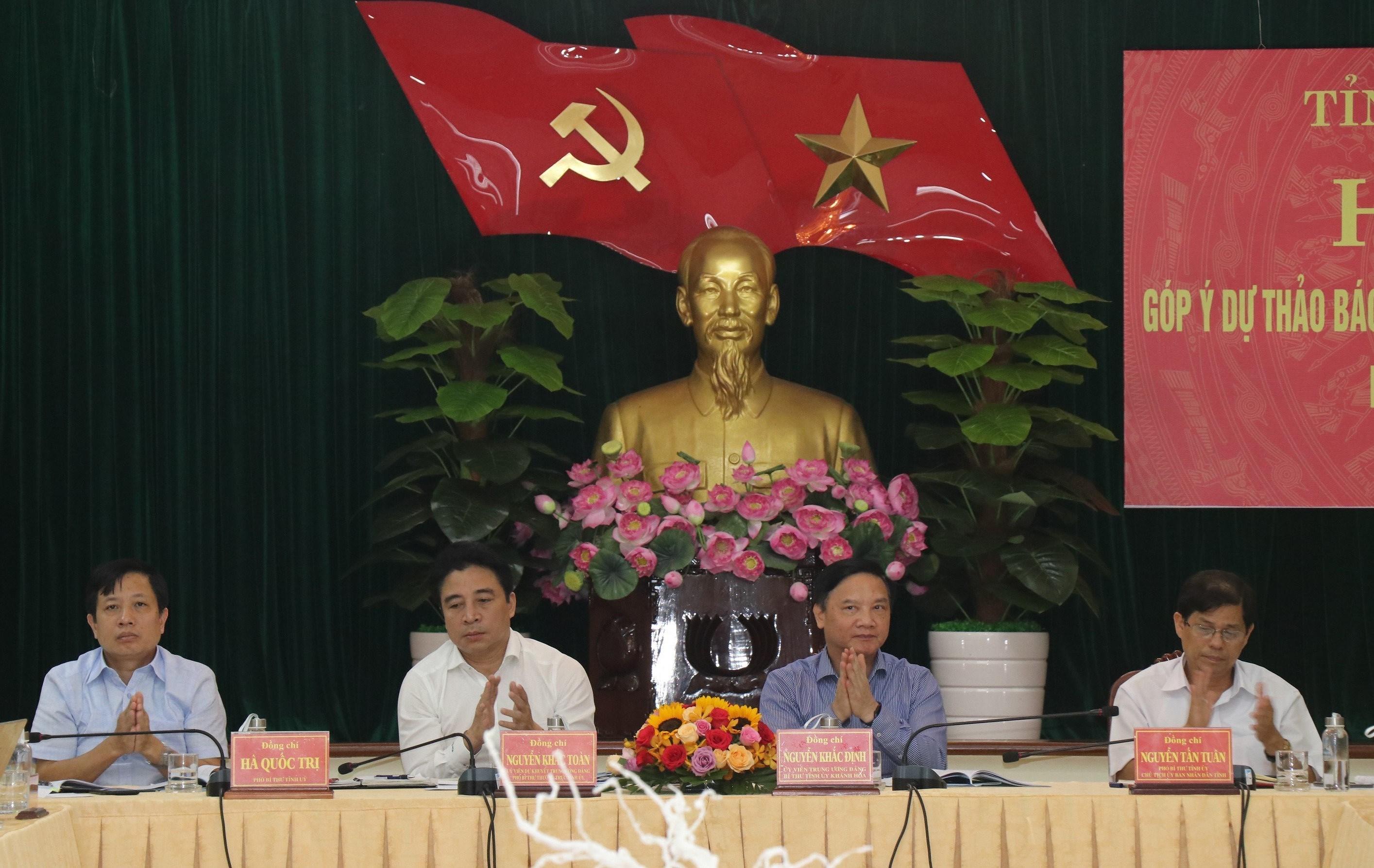 Gop y du thao Bao cao chinh tri Ban Chap hanh Dang bo tinh Khanh Hoa hinh anh 1