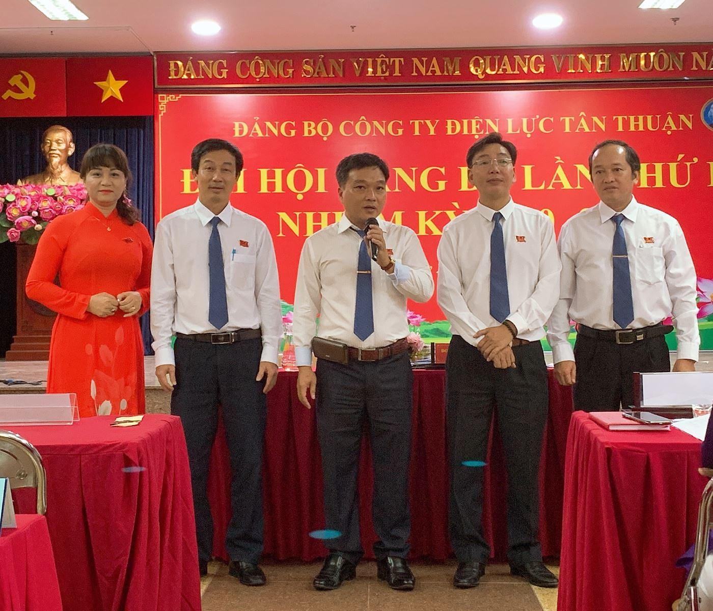 Thanh cong Dai hoi Dang cap co so: Lan toa niem tin - thoi lan gio moi hinh anh 2