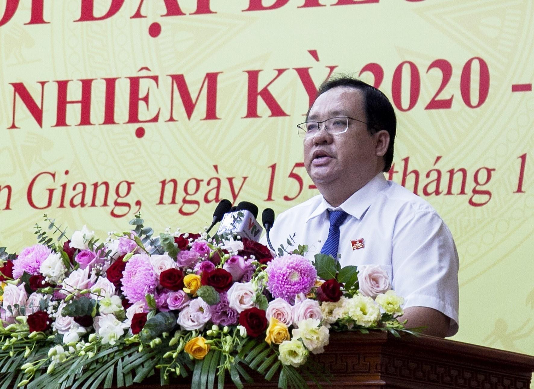 Khai mac Dai hoi Dang bo tinh Kien Giang lan XI nhiem ky 2020-2025 hinh anh 6