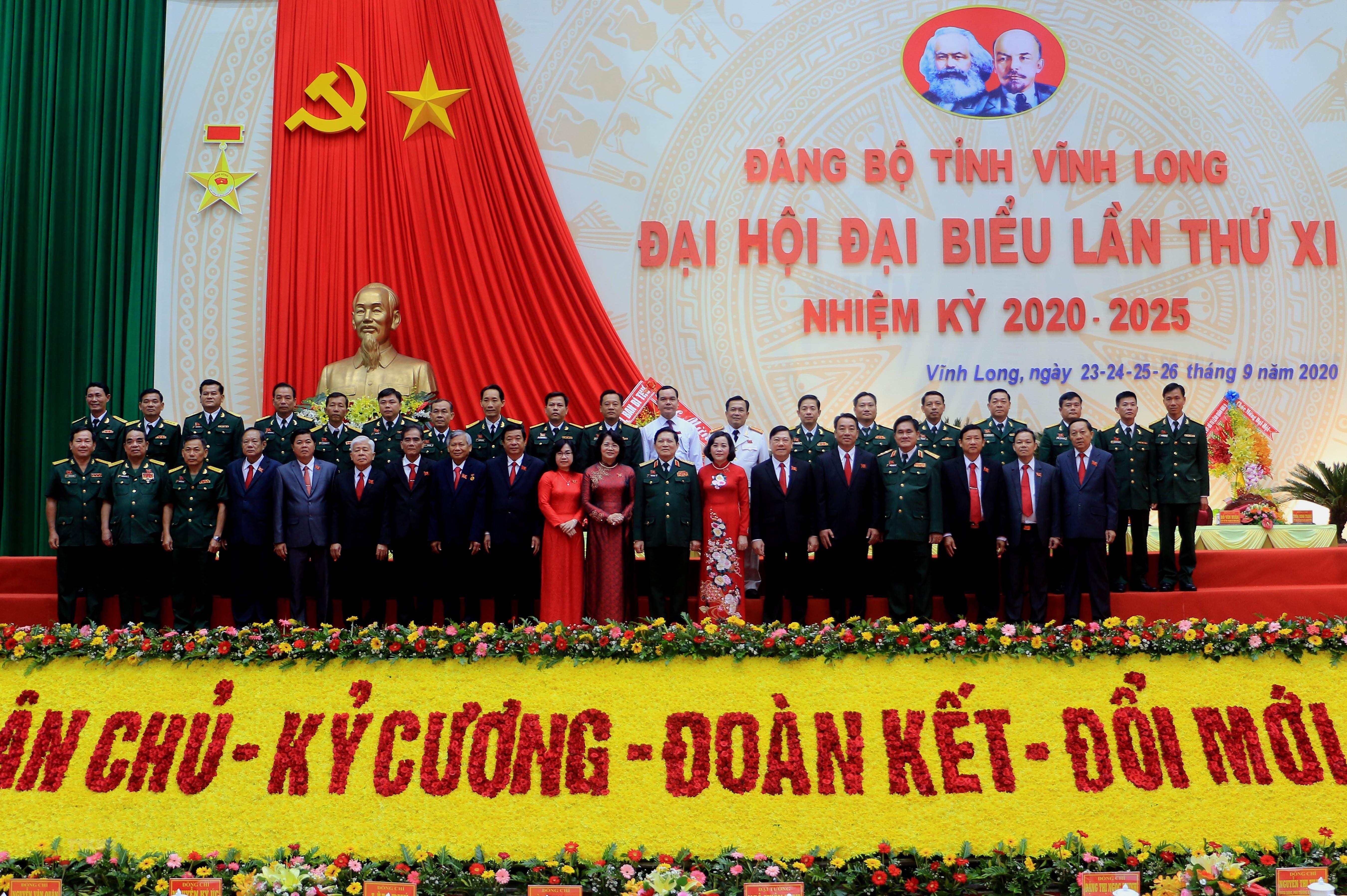 [Photo] Khai mac Dai hoi Dang bo tinh Vinh Long nhiem ky 2020-2025 hinh anh 7