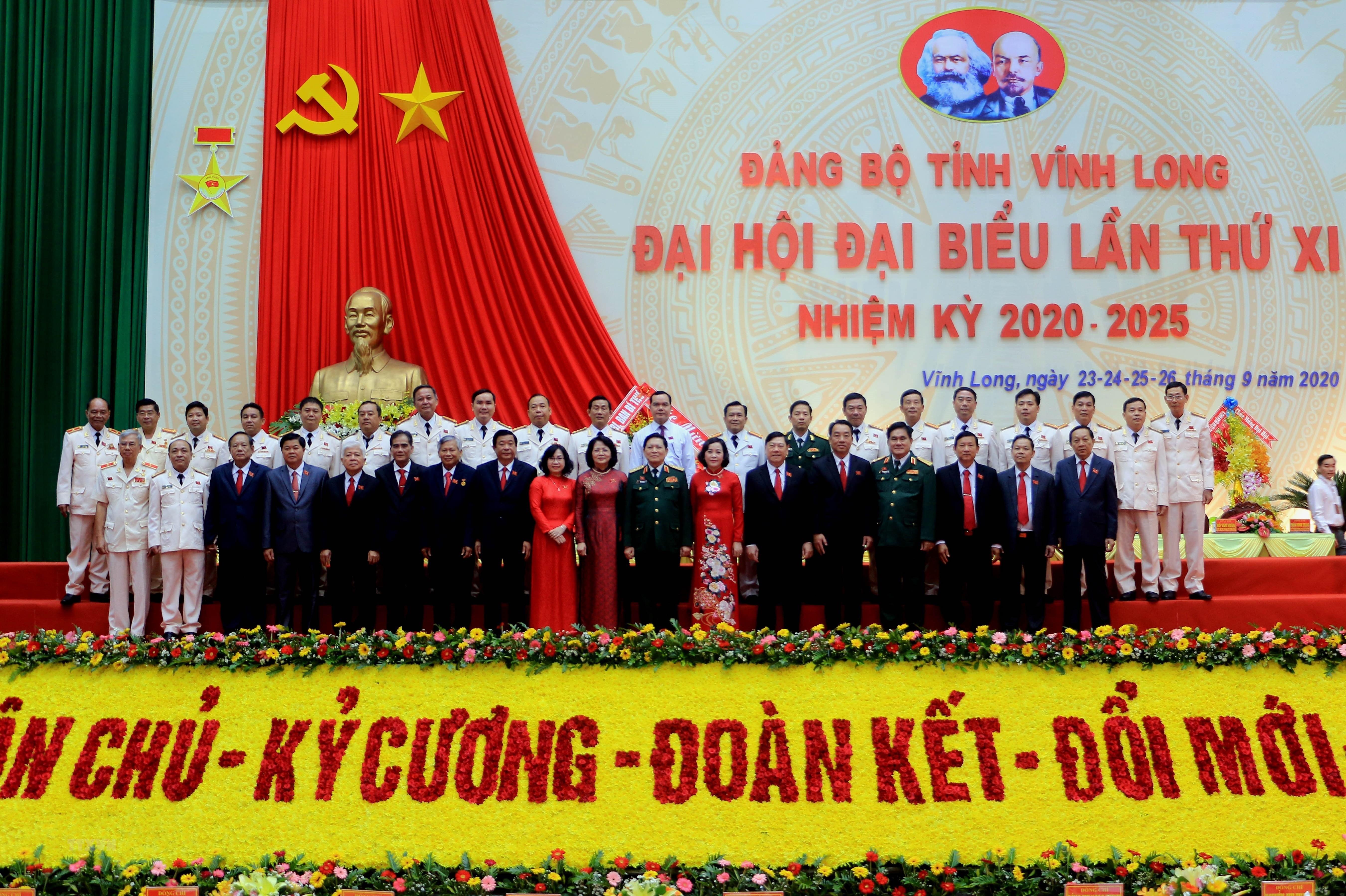 [Photo] Khai mac Dai hoi Dang bo tinh Vinh Long nhiem ky 2020-2025 hinh anh 11