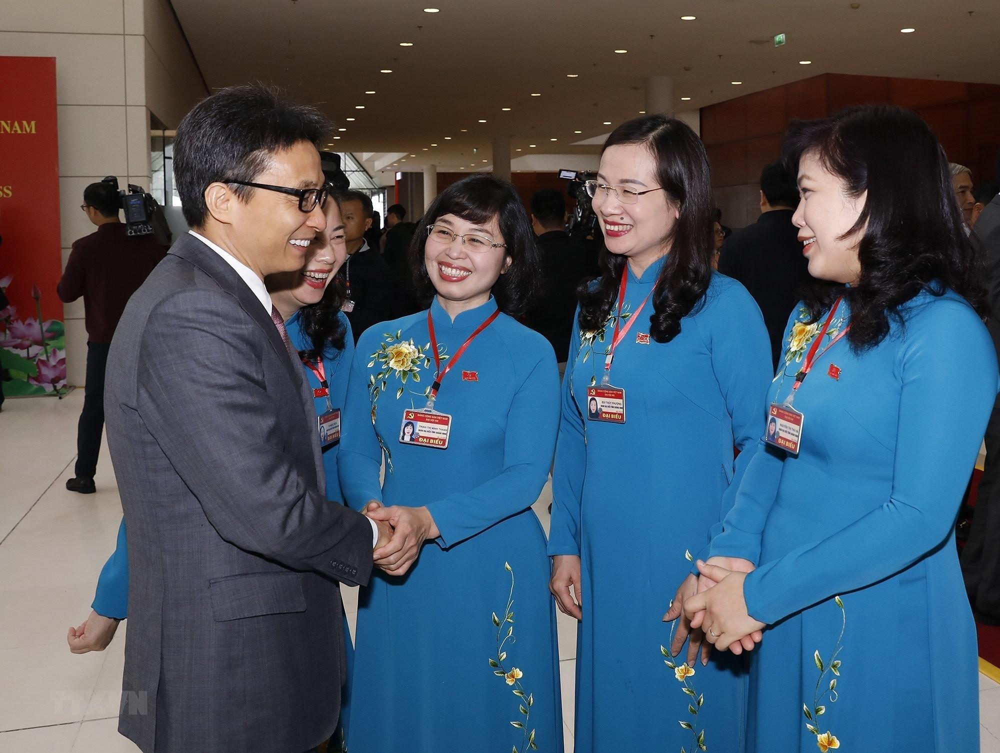 [Photo] 222 dai bieu nu tham du Dai hoi lan thu XIII cua Dang hinh anh 4