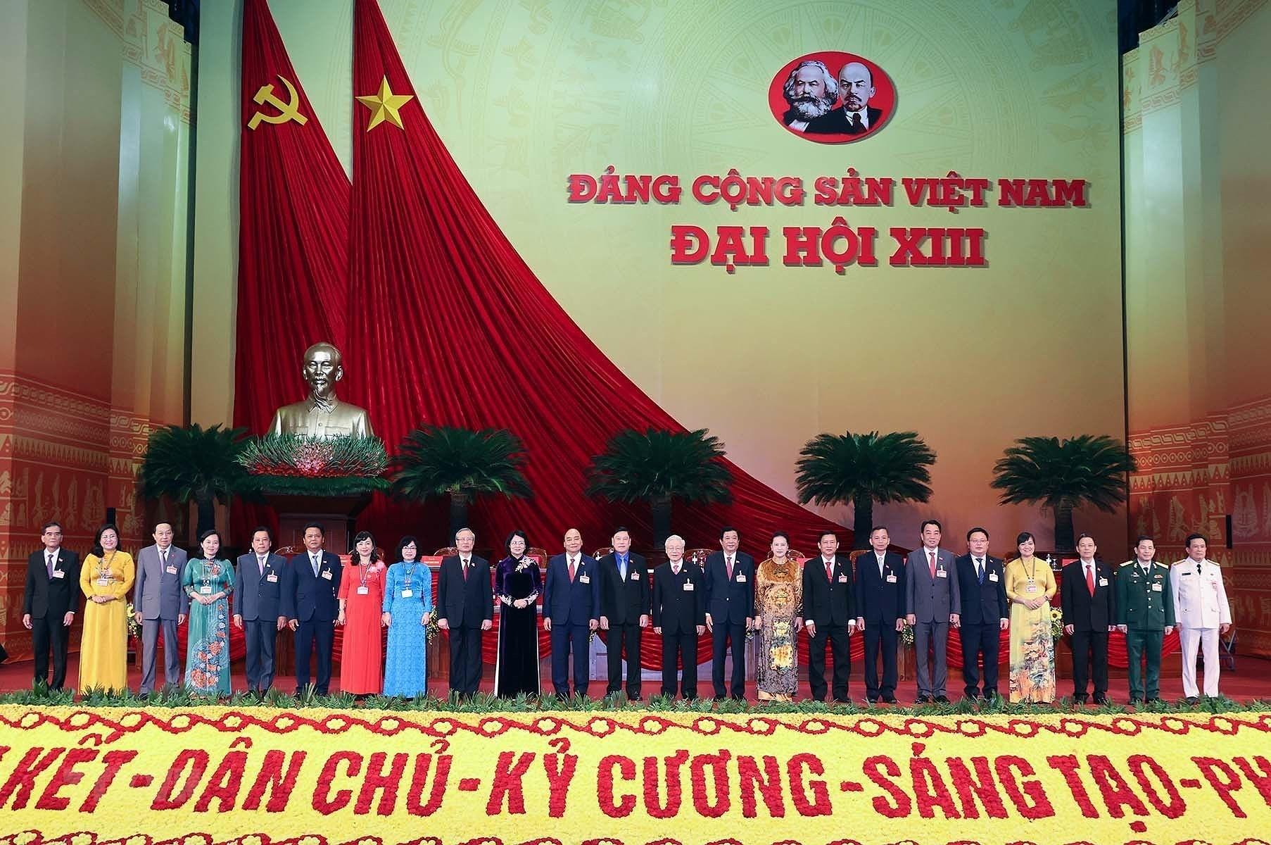 [Photo] Ngay lam viec thu nam Dai hoi lan thu XIII cua Dang hinh anh 13