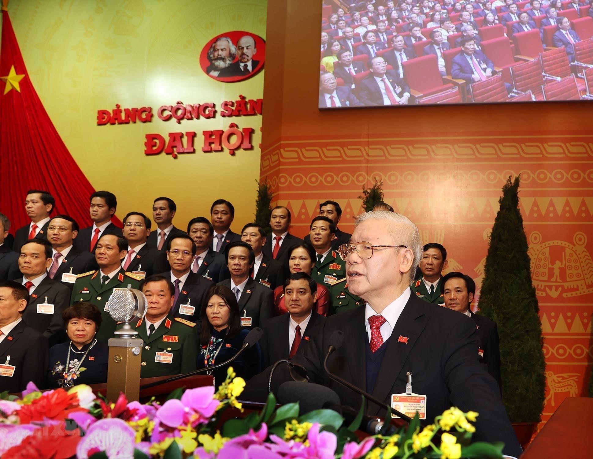 [Photo] Ban Chap hanh Trung uong Dang khoa XIII ra mat Dai hoi hinh anh 9