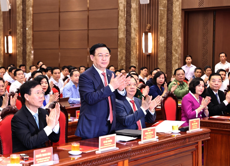 [Photo] Dong chi Dinh Tien Dung giu chuc Bi thu Thanh uy Ha Noi hinh anh 8