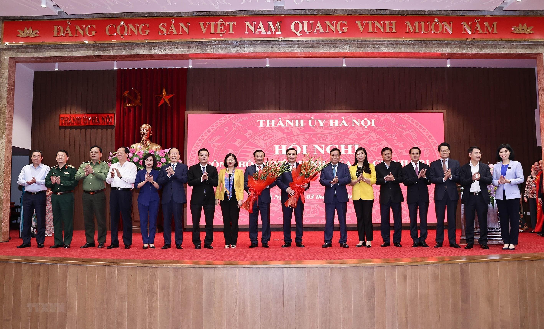 [Photo] Dong chi Dinh Tien Dung giu chuc Bi thu Thanh uy Ha Noi hinh anh 9