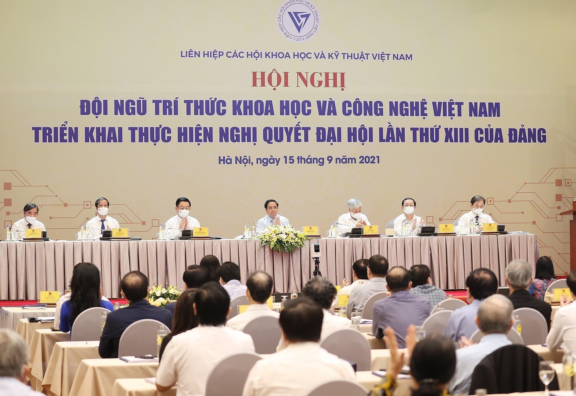 Thu tuong du Hoi nghi doi ngu tri thuc khoa hoc va cong nghe Viet Nam hinh anh 3