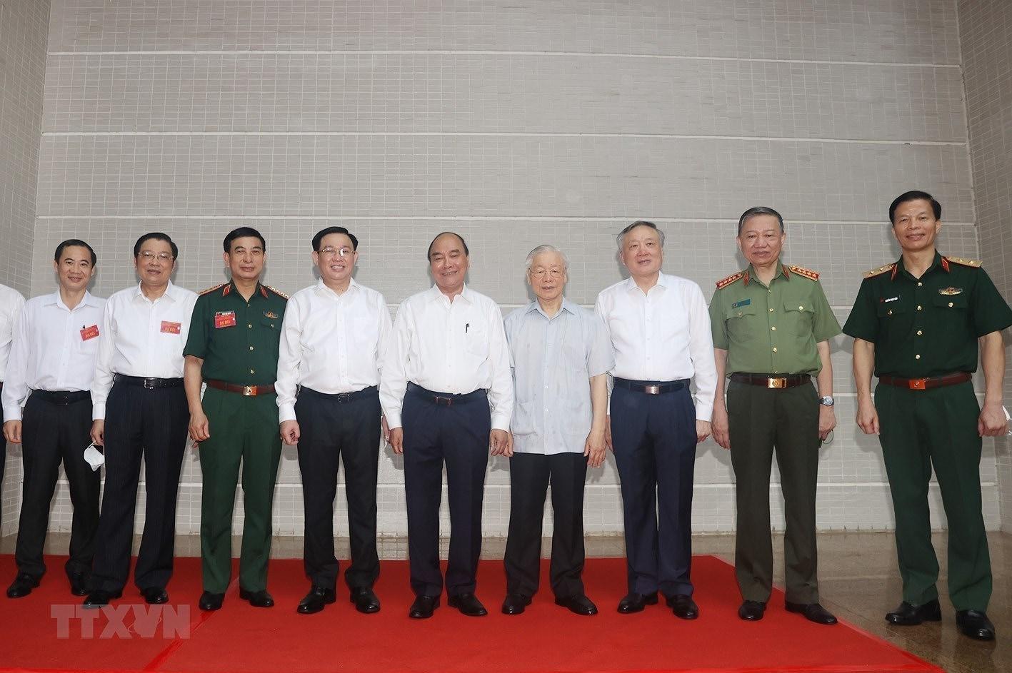 [Photo] Tong Bi thu chu tri Hoi nghi toan quoc cac co quan noi chinh hinh anh 1