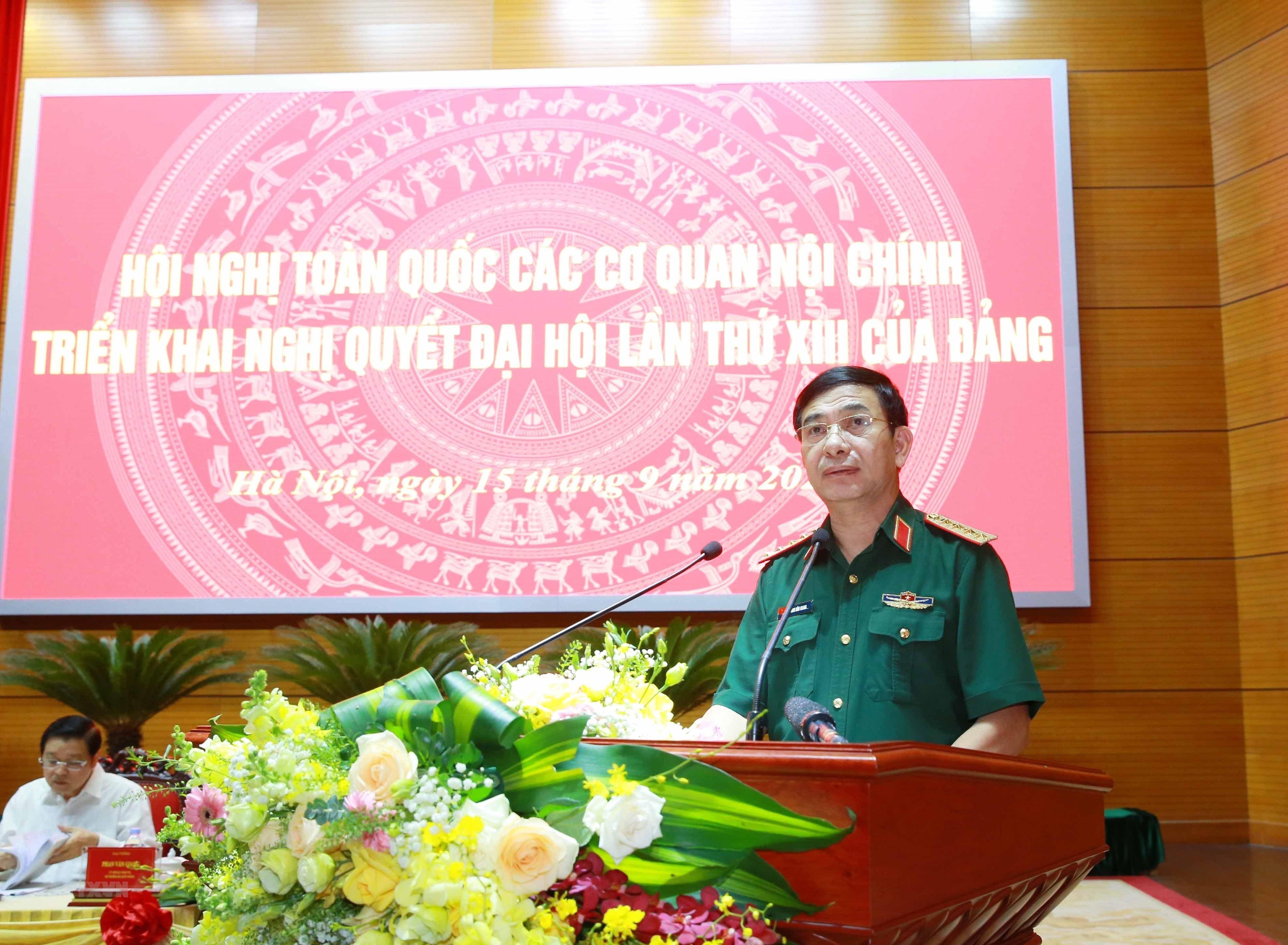 [Photo] Tong Bi thu chu tri Hoi nghi toan quoc cac co quan noi chinh hinh anh 11