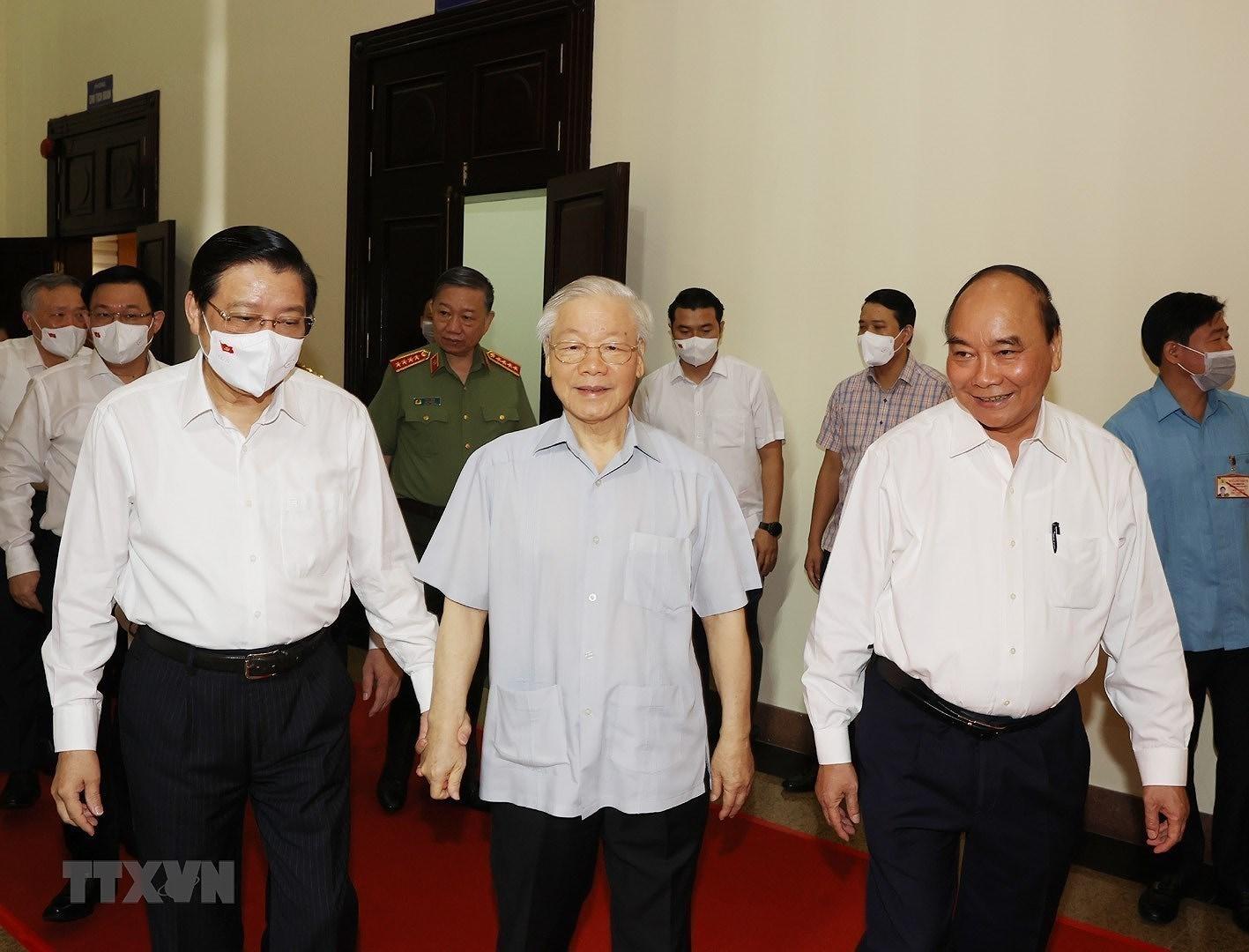 [Photo] Tong Bi thu chu tri Hoi nghi toan quoc cac co quan noi chinh hinh anh 4