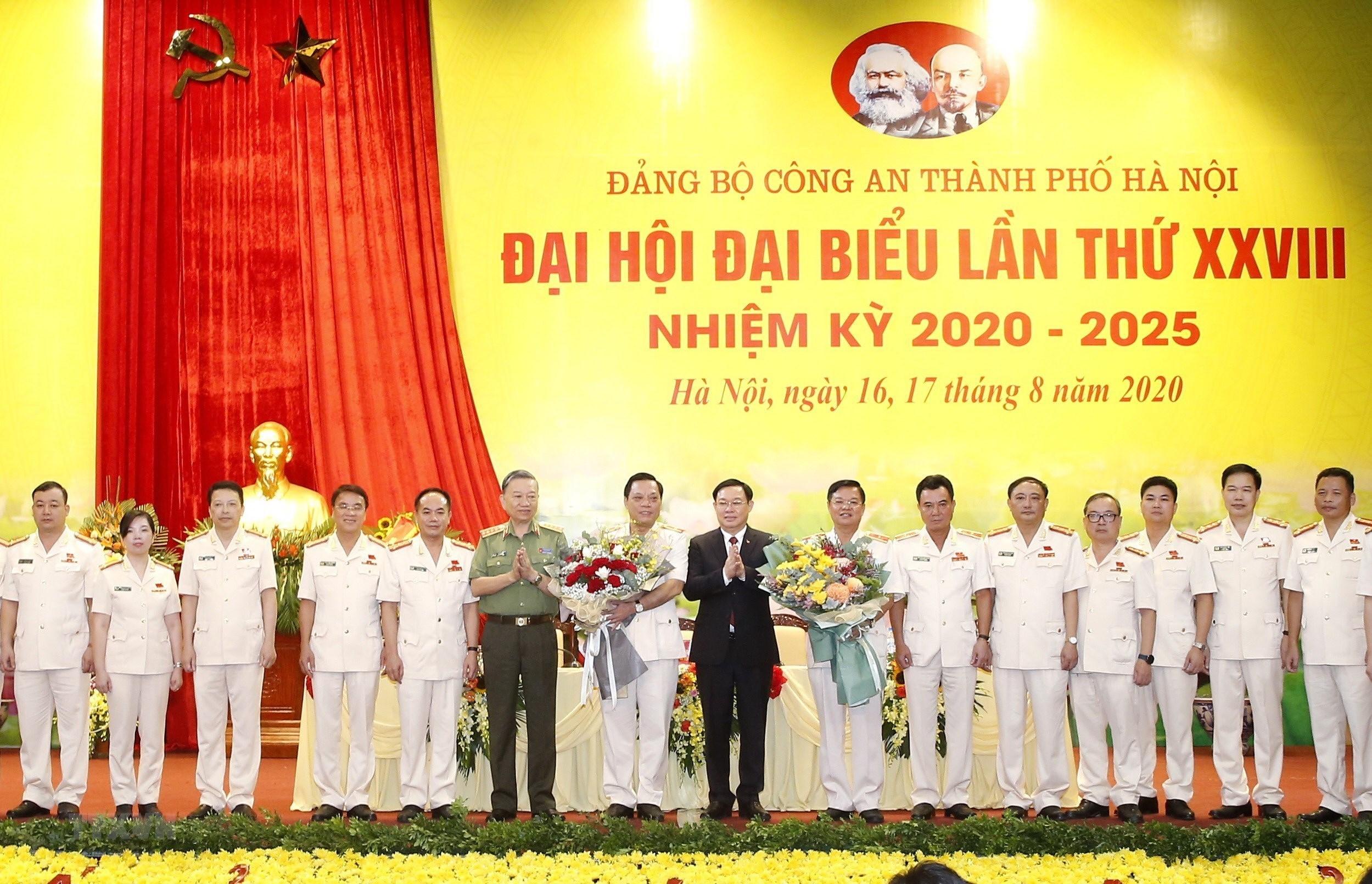 Thieu tuong Nguyen Hai Trung giu chuc Bi thu Dang uy Cong an TP Ha Noi hinh anh 2