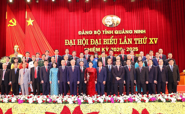 Chu tich Quoc hoi du Dai hoi dai bieu Dang bo tinh Quang Ninh hinh anh 2