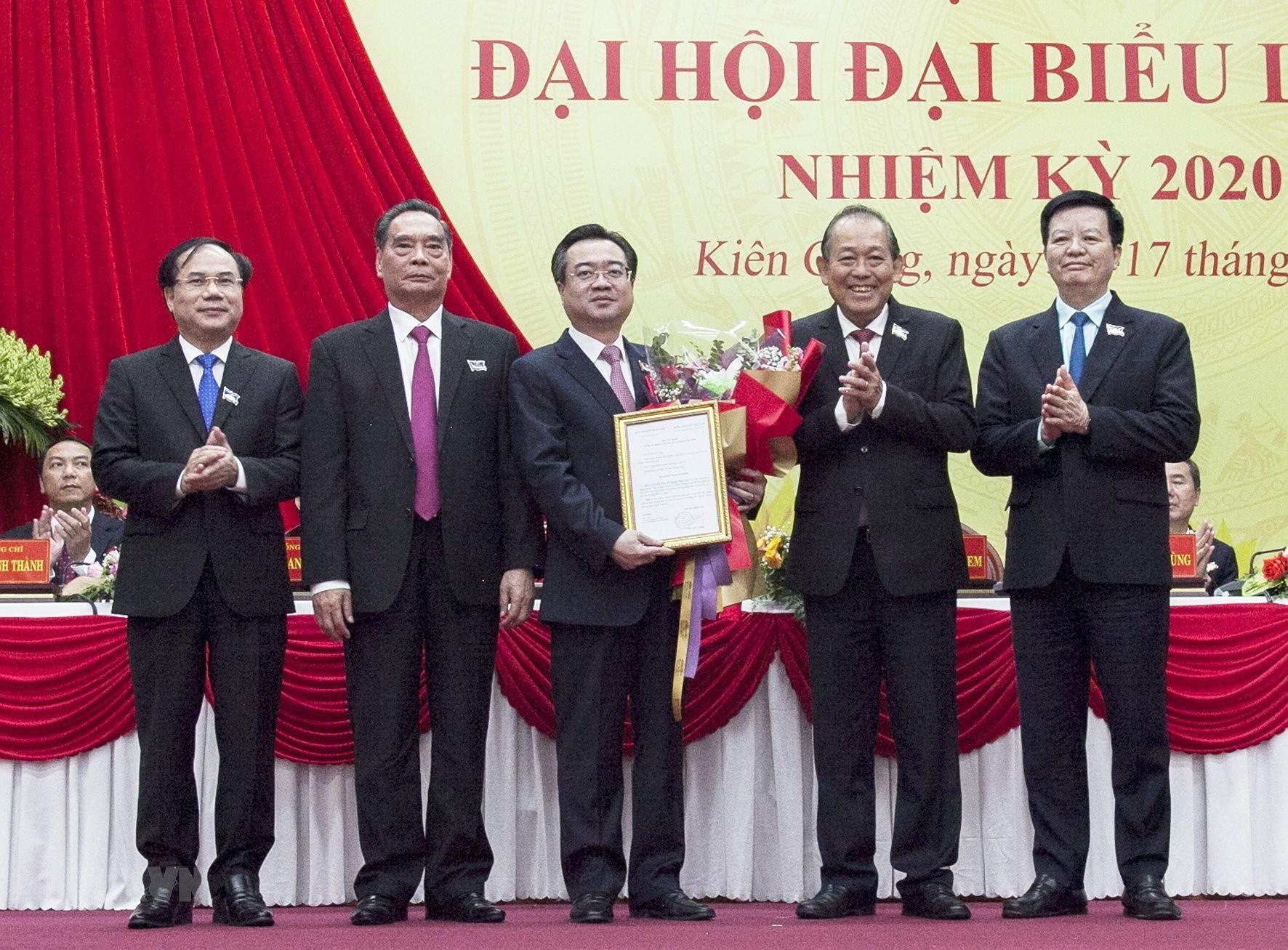 Pho Thu tuong Truong Hoa Binh du Dai hoi Dang bo tinh Kien Giang hinh anh 2