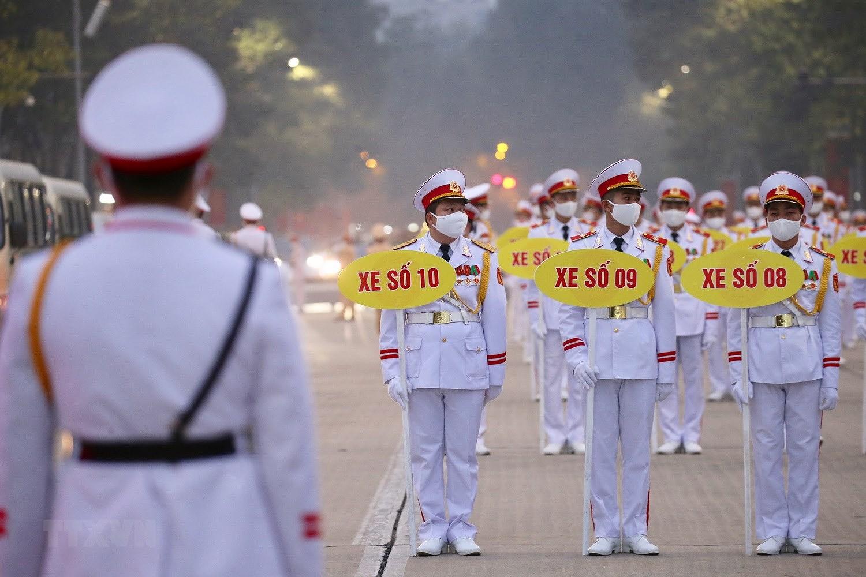 [Photo] Chuong trinh tong duyet Dai hoi toan quoc lan XIII cua Dang hinh anh 16