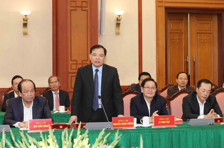 Bo Chinh tri, Ban Bi thu gap mat than mat cac dong chi nguyen lanh dao hinh anh 13
