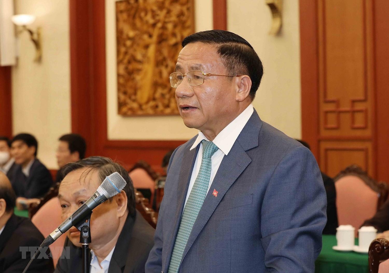 Bo Chinh tri, Ban Bi thu gap mat than mat cac dong chi nguyen lanh dao hinh anh 16