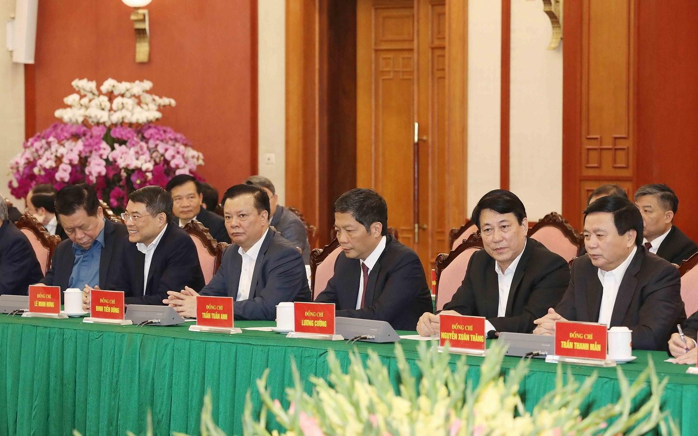Bo Chinh tri, Ban Bi thu gap mat than mat cac dong chi nguyen lanh dao hinh anh 22