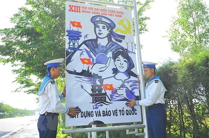 Vung 2 Hai quan huong toi Dai hoi Dang toan quoc lan thu XIII hinh anh 2