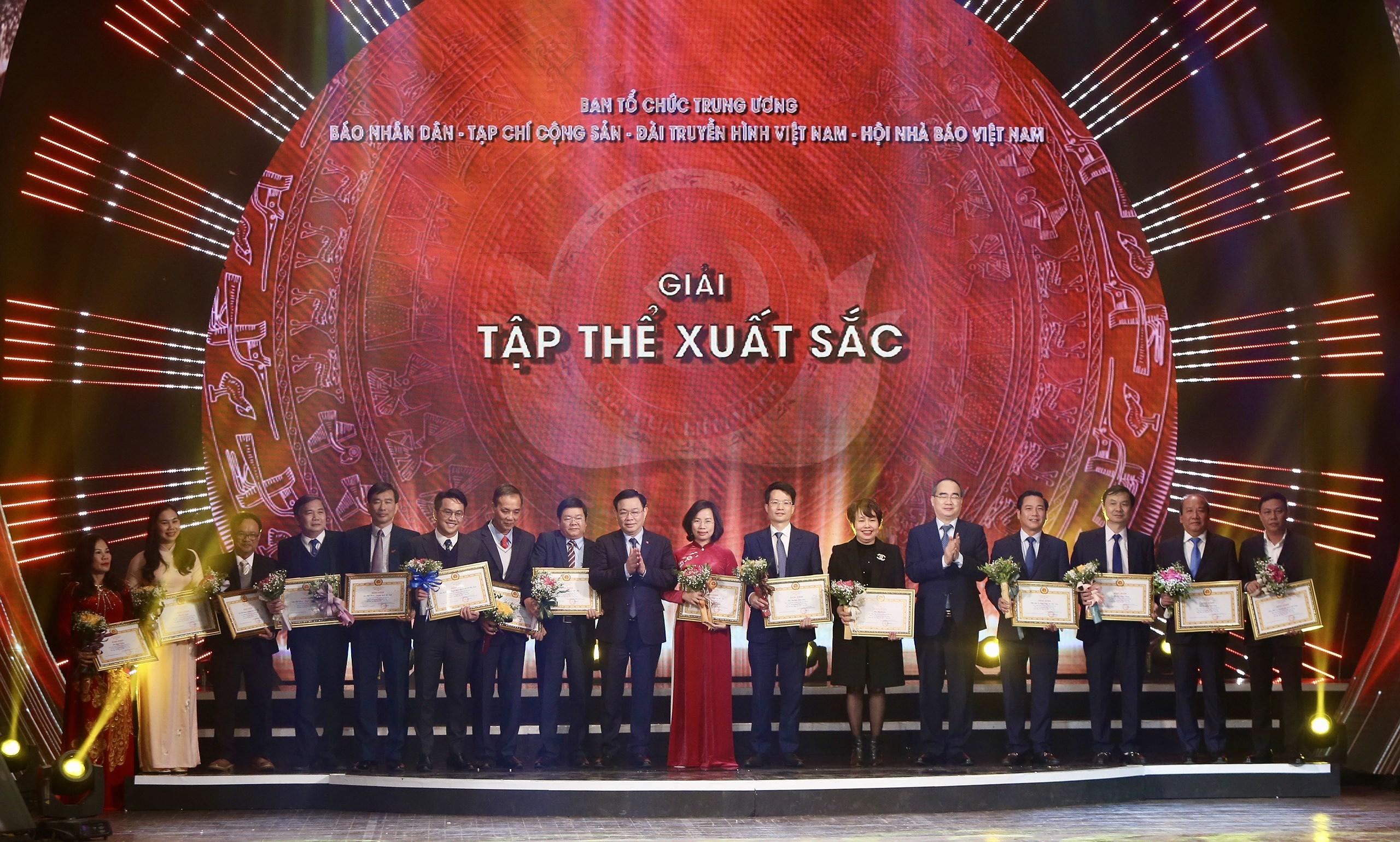 VietnamPlus duoc xuong ten tai Giai bao chi toan quoc ve Xay dung Dang hinh anh 6
