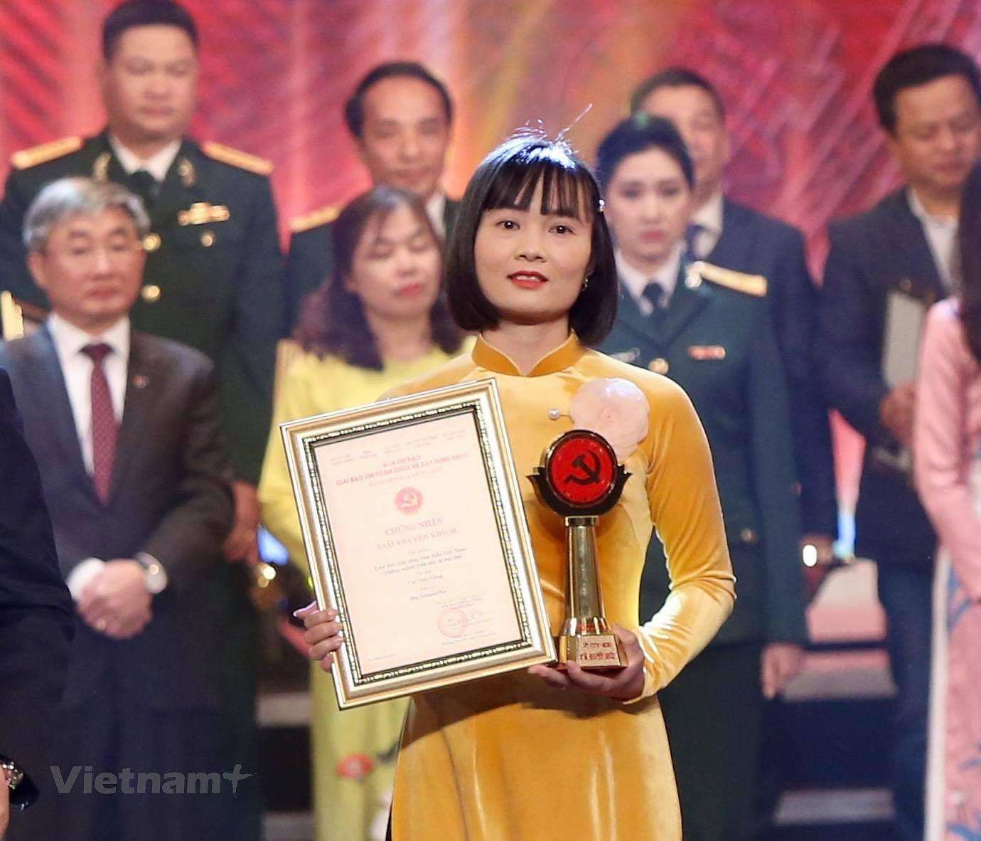VietnamPlus duoc xuong ten tai Giai bao chi toan quoc ve Xay dung Dang hinh anh 4