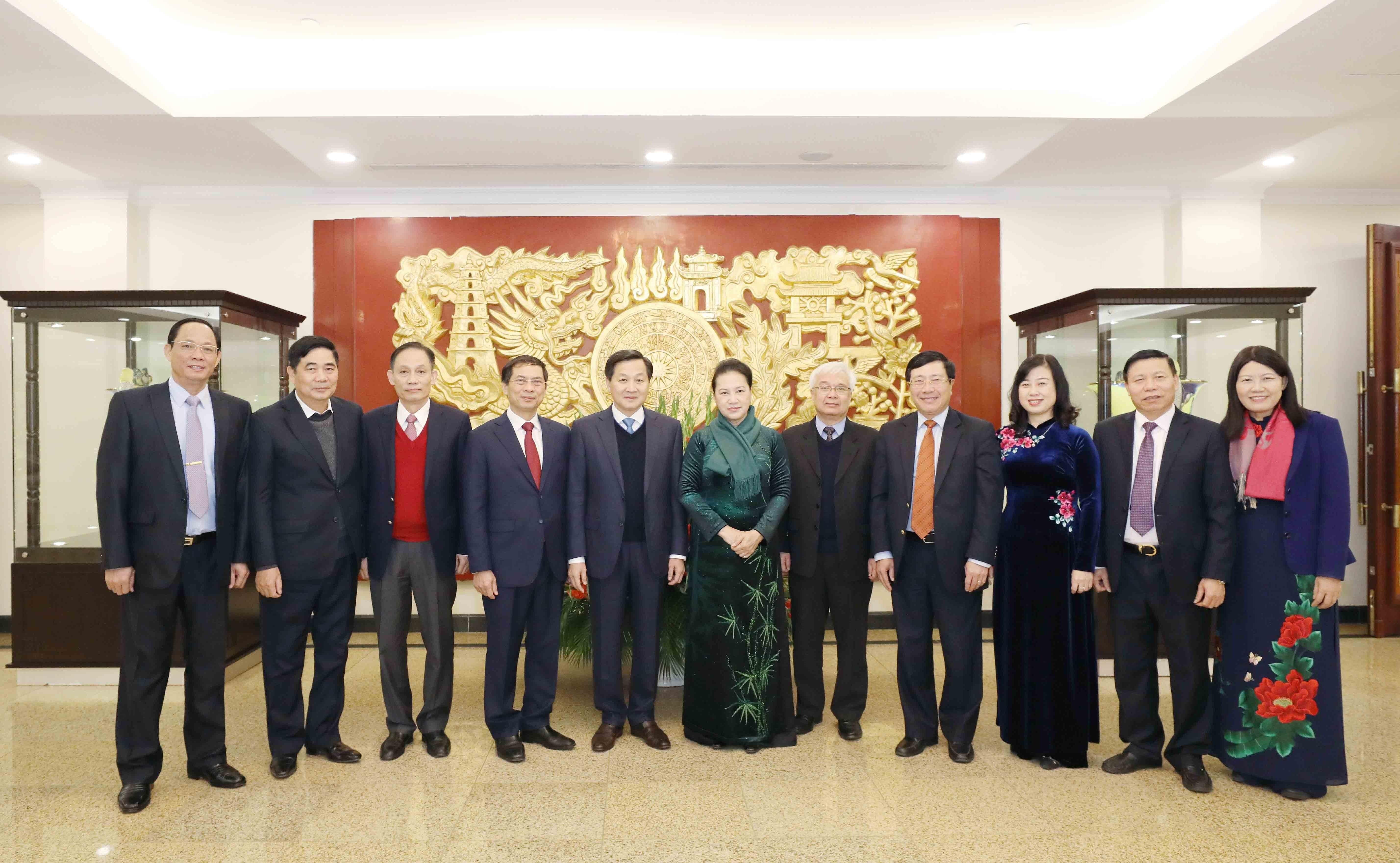 Hinh anh Be mac Hoi nghi lan thu 14 Ban Chap hanh Trung uong Dang hinh anh 16