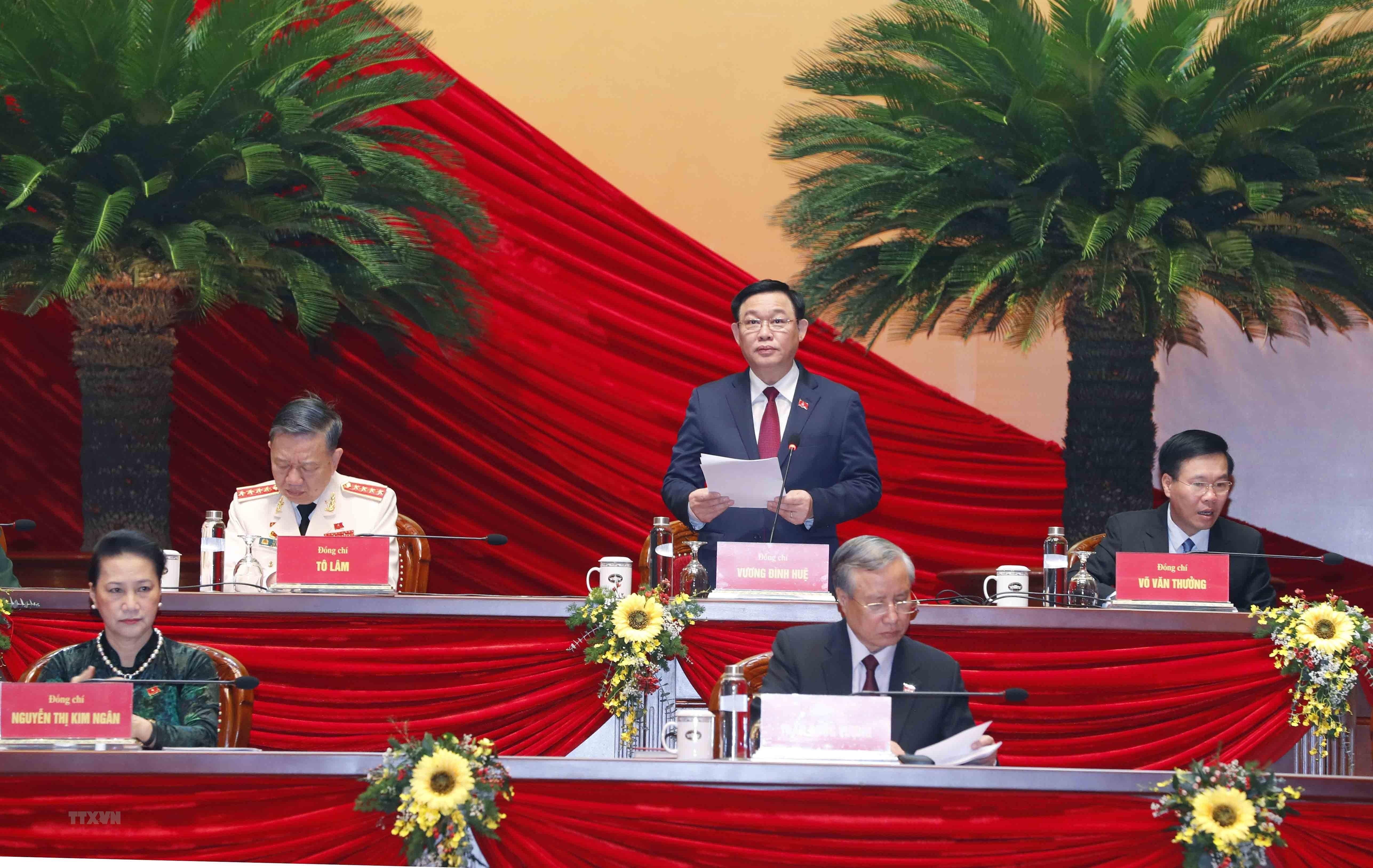 [Photo] Quang canh phien thao luan cac van kien Dai hoi XIII cua Dang hinh anh 1