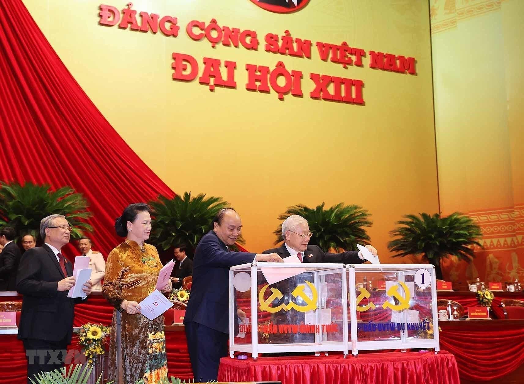 [Photo] Dai hoi XIII: Dua dat nuoc buoc vao giai doan phat trien moi hinh anh 36