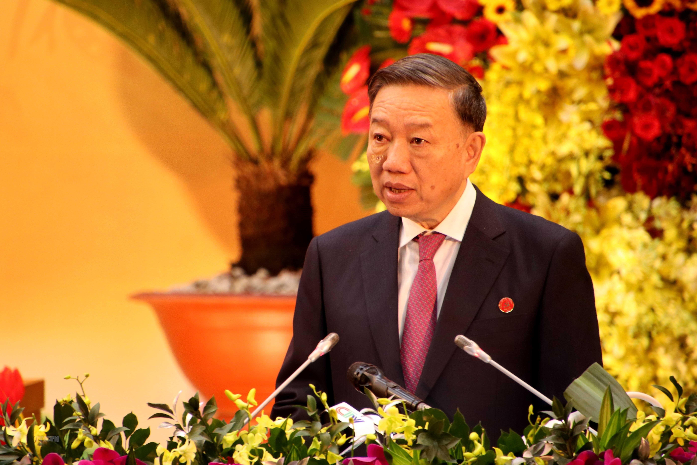 Dong chi To Lam tham du va chi dao Dai hoi Dang bo tinh Ca Mau lan XVI hinh anh 2