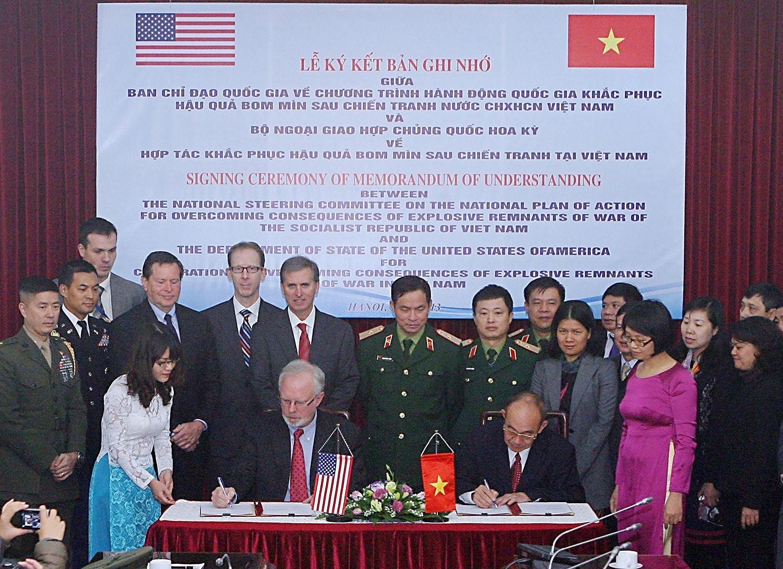 组图:国际提高地雷意识和协助地雷行动日:越南致力于克服地雷炸弹后果 hinh anh 11