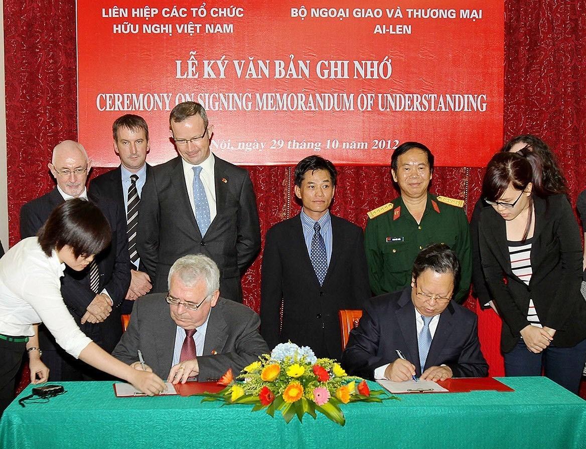 组图:国际提高地雷意识和协助地雷行动日:越南致力于克服地雷炸弹后果 hinh anh 13