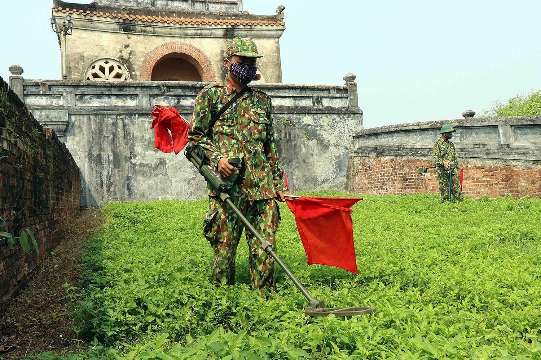 组图:国际提高地雷意识和协助地雷行动日:越南致力于克服地雷炸弹后果 hinh anh 4