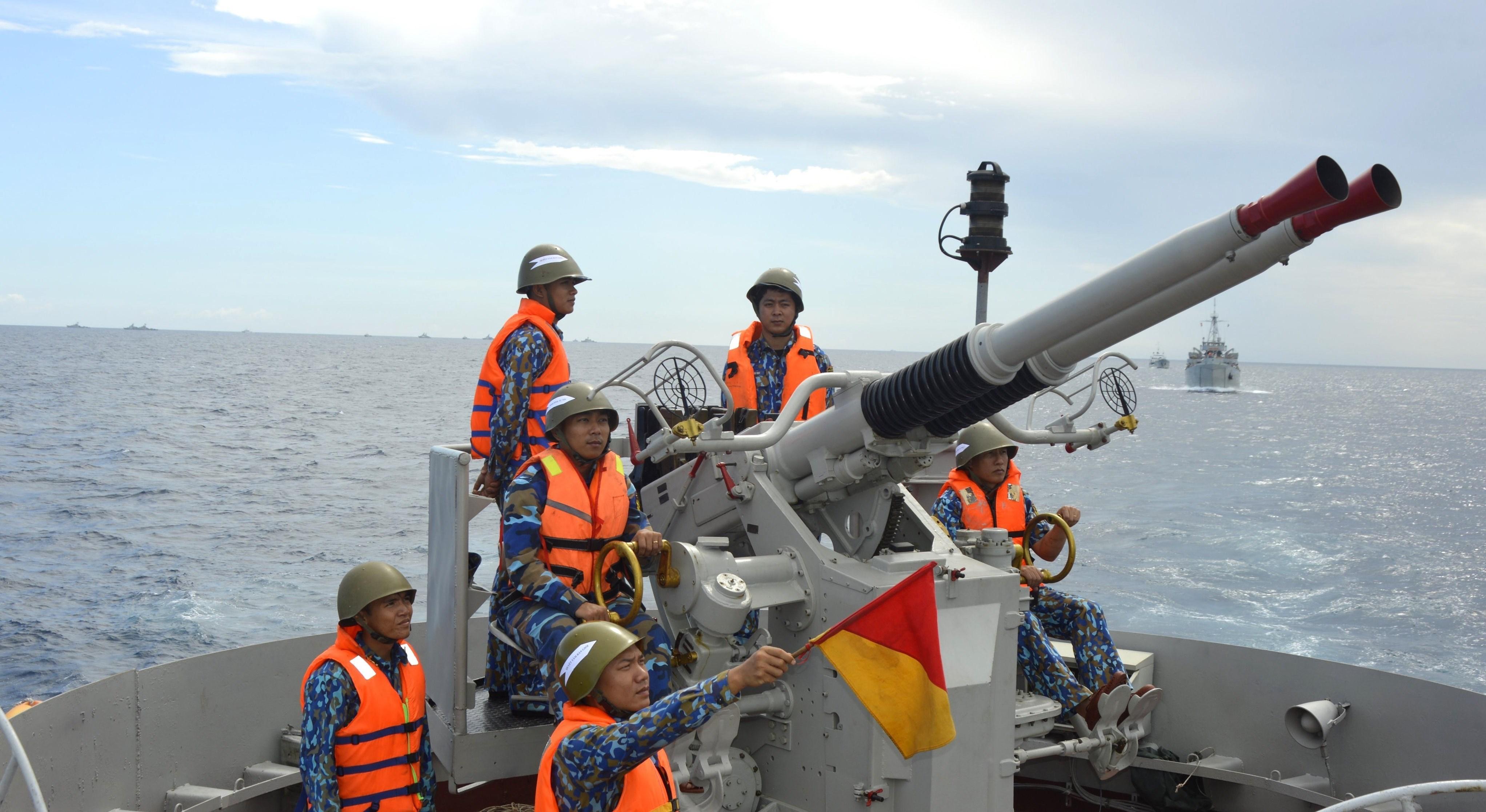 组图:海军二号司令部着力加强海上训练工作 hinh anh 2