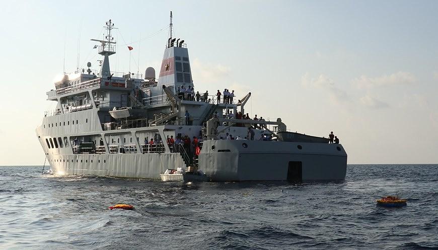 组图:长沙烈士悼念仪式在东海上举行 hinh anh 6