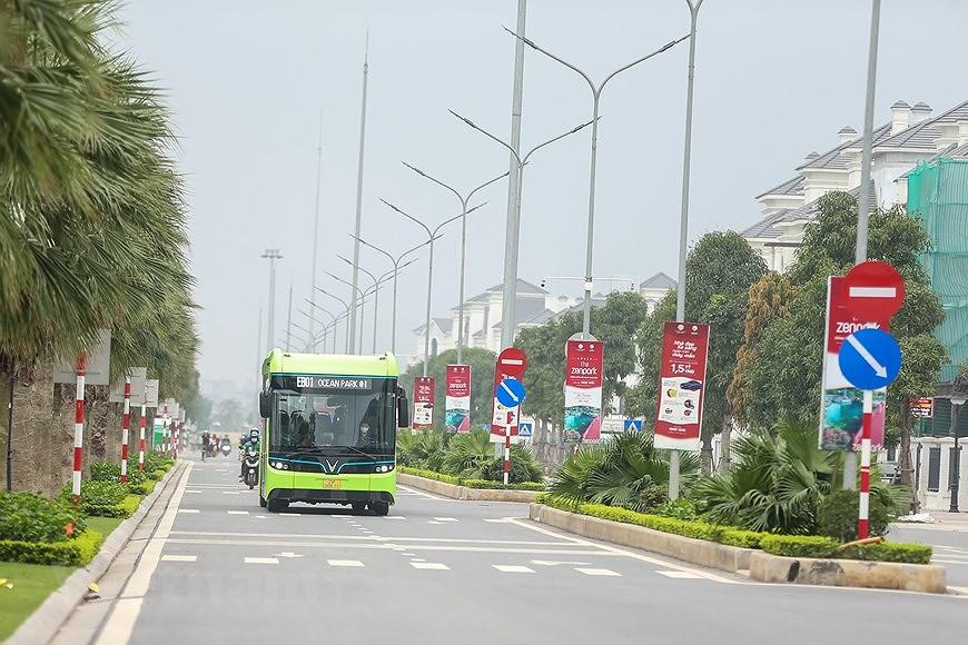 组图:VinBus开发的越南首个智能电动公交车投入运营 hinh anh 8