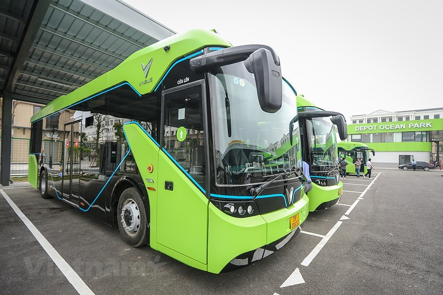 组图:VinBus开发的越南首个智能电动公交车投入运营 hinh anh 1