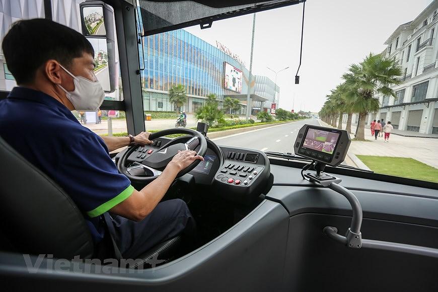 组图:VinBus开发的越南首个智能电动公交车投入运营 hinh anh 6