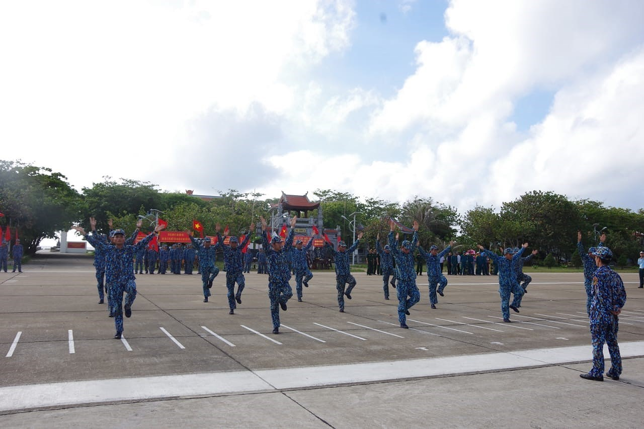 Daily life of naval soldiers in Truong Sa island district hinh anh 7