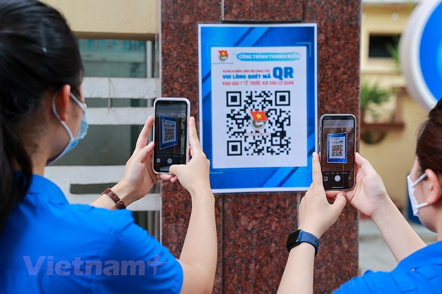Hanoi Youth Union members active to popularise election hinh anh 3