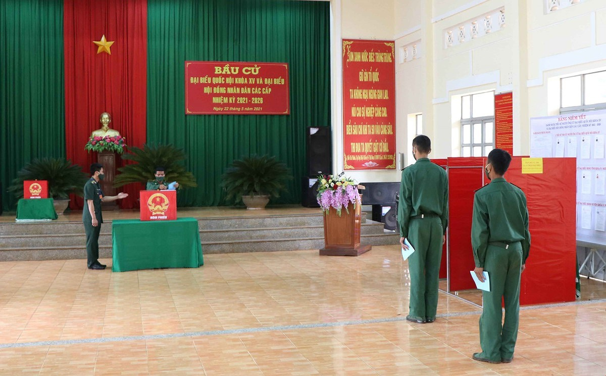 Election campaigns completed safely in compliance with law hinh anh 2