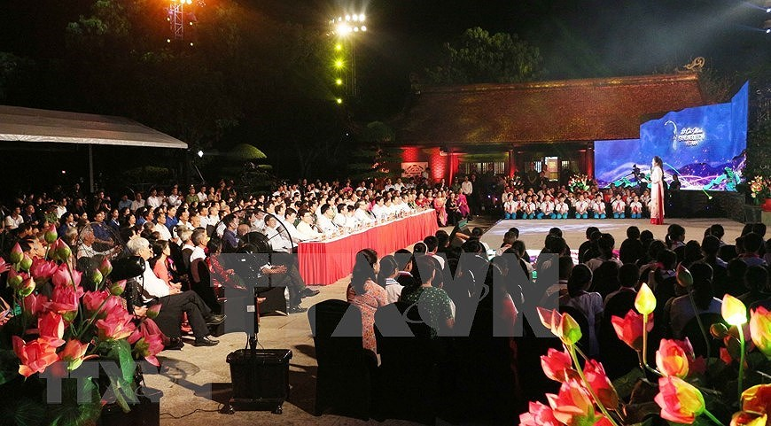 Performance celebrates Uncle Ho's 130th birthday hinh anh 14